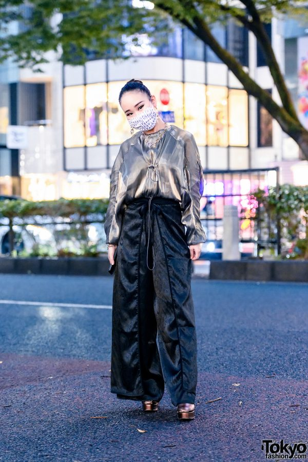 Juemi Tokyo Style w/ Printed Mask, Chain Earrings, Ruched Chiffon Top, Paisley Print Satin Pants & Evris Platform Boots