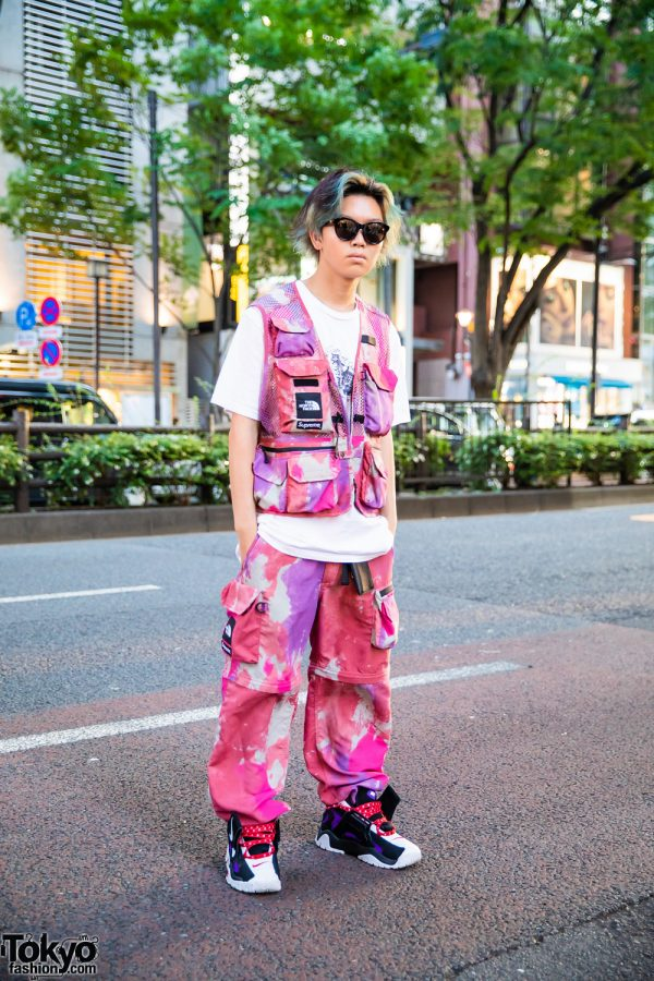 Harajuku Guy in Pink Camouflage Fashion w/ Supreme White Shirt, Supreme X The North Face Pink Camo Vest and Pants, Nike Air Barrage Shoes