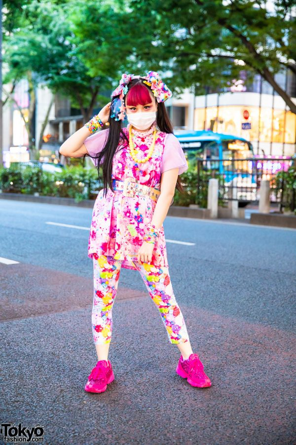 Pink Decora Fashion w/ Twin Tails, Hair Clips, 6%DOKIDOKI Printed Top and Pants, 6%DOKIDOKI Accessories & Adidas Sneakers