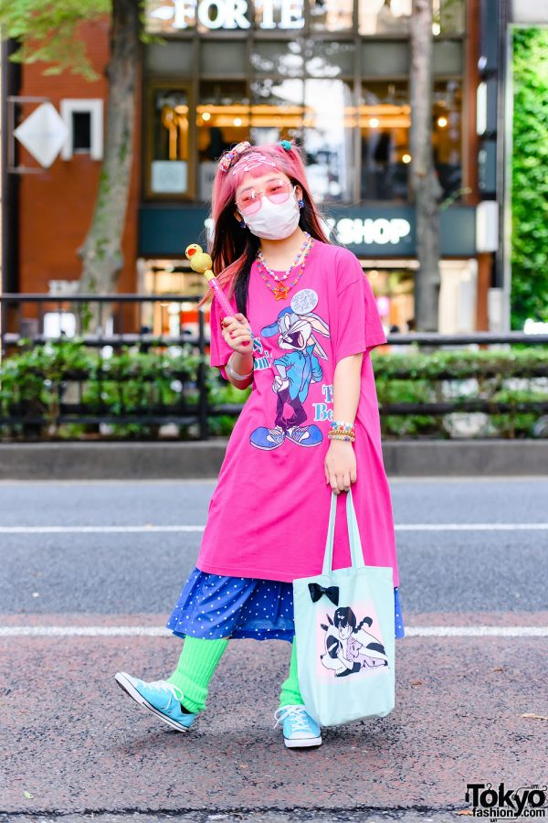 Cartoon Artist w/ Pink Hair in San To Nibun No Ichi Shirt, Resale Polka Dot Skirt, Light Blue Sneakers, Leg Warmers & 6%DOKIDOKI Accessorie
