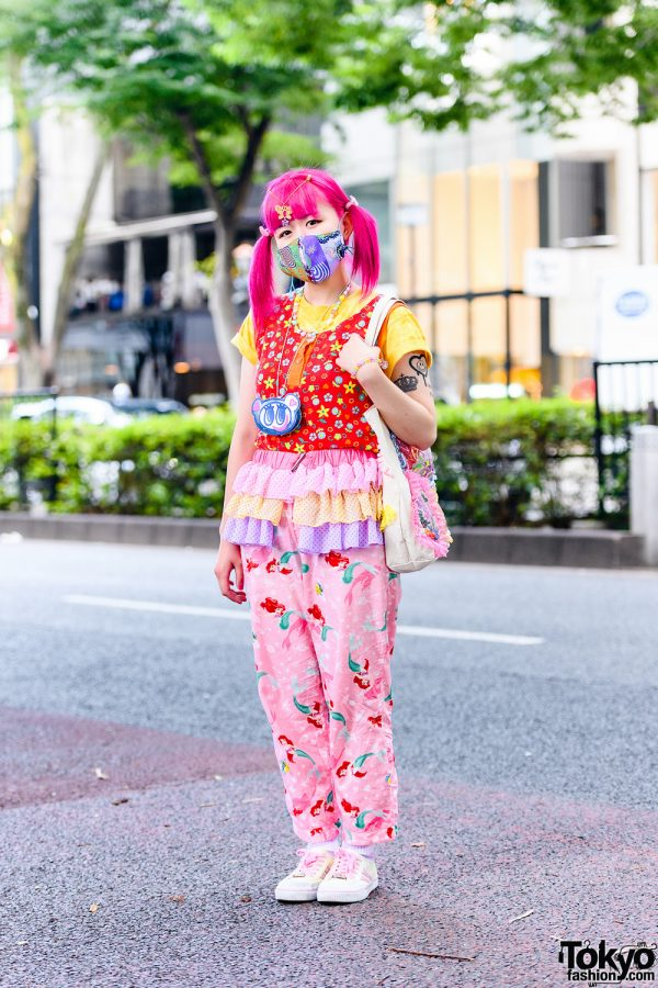 Kinji Staffer's Decora Style w/ Pink Twin Tails, Butterfly Hair Jewelry, Angel Blue Coin Purse Necklace, The Little Mermaid Pants, Tiered Skirt Panel, Handmade Bag & Skechers Sneakers