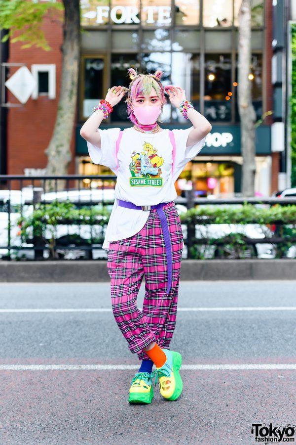 Decora Girl in GU Sesame Street Shirt, ACDC Rag Plaid Pants, Yosuke Multicolor Platform Shoes, Claire's Backpack & Assorted Decora Accessories