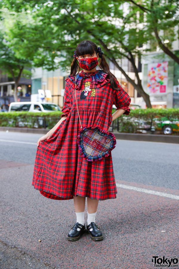 All Plaid HEIHEI Harajuku Streetwear Style w/ Twin Tails, Face Mask, Detached Collar, Heart-Shaped Bag & Dr. Martens Double-Strap Mary Janes
