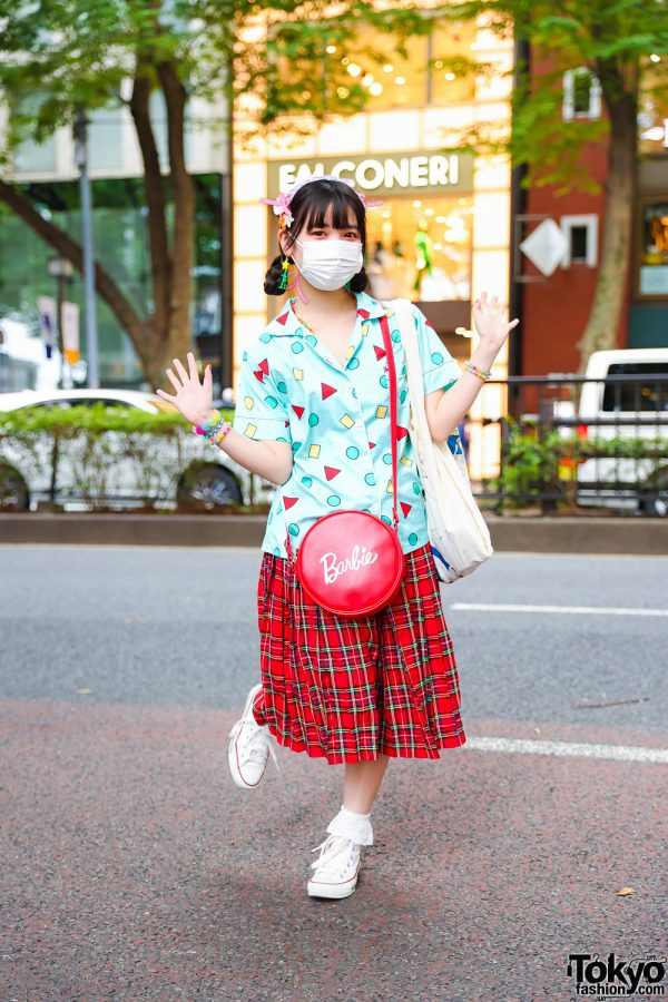 ACDC Rag Staffer Plaid Street Style w/ Kinji Shirt, ACDC Rag Plaid Skirt, Converse Sneakers, Asoko Barbie Bag, Claire's and Decotoland Accessories