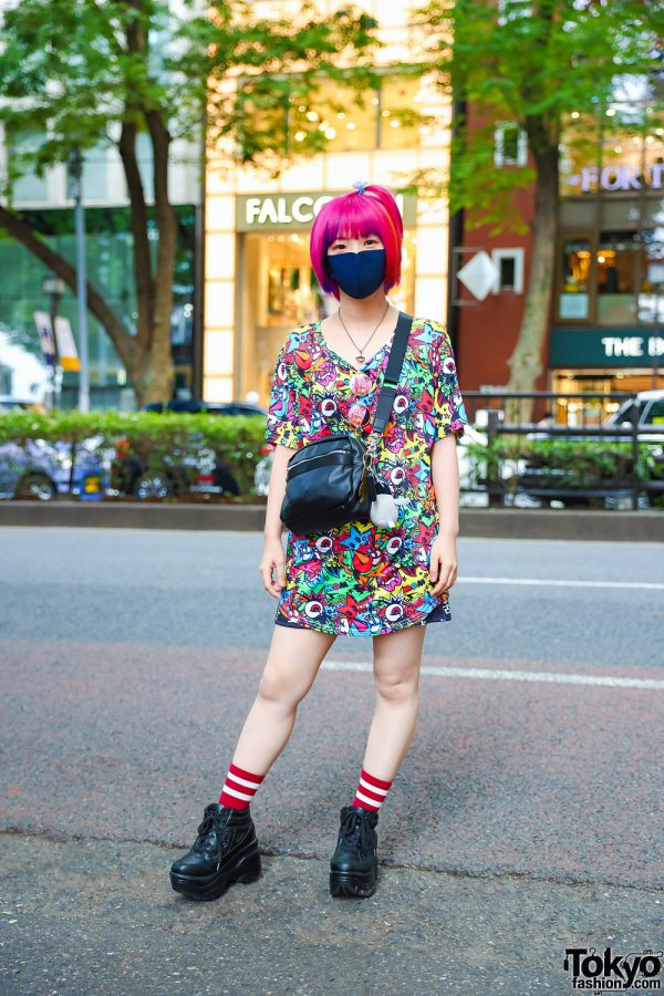 Tokyo Girl w/ Pink Hair in ACDC Rag Printed Shirt, Crossbody Bag, Lace-Up Platform Shoes & Vivienne Westwood Pendant Necklace
