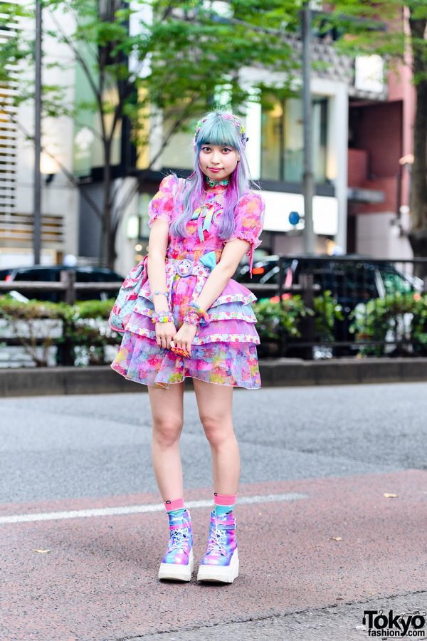 6%DokiDoki Kawaii Streetwear Style w/ Unicorn Hair, Handmade Accessories, Belted Skirt Panel, Ruffle Choker, Cat Print Tote & Demonia Iridescent Platforms