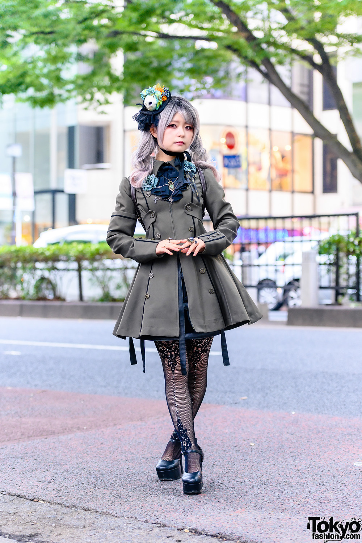 Japanese Gothic & Lolita Street Fashion w/ Edera+Peta-Peta Fish Headdress, Atelier Boz Matilda Dress, Chante Bird Cage Skirt, Triple Fortune & Metamorphose Temps De Fille Platforms