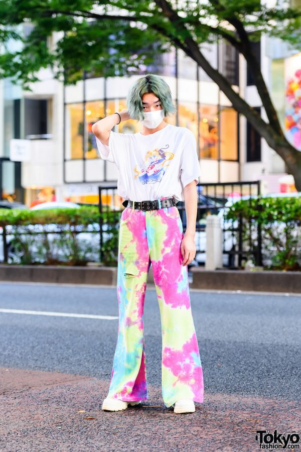 Harajuku Guy's Street Style w/ Wavy Green Bob, UNIQLO Sailor Moon Shirt, Mabataki Tie Dye Flared Pants & Forever21 Shoes