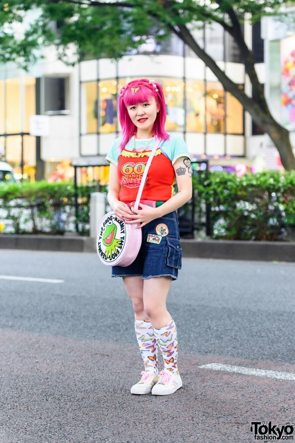 Kawaii Fashion w/ Pink Hair, Angel Blue Spaghetti Strap, Angel Blue Denim Shorts, Little Sunny Bite Kermit The Frog Crossbody Bag, Skechers White Sneakers & Daisy Lovers Accessories