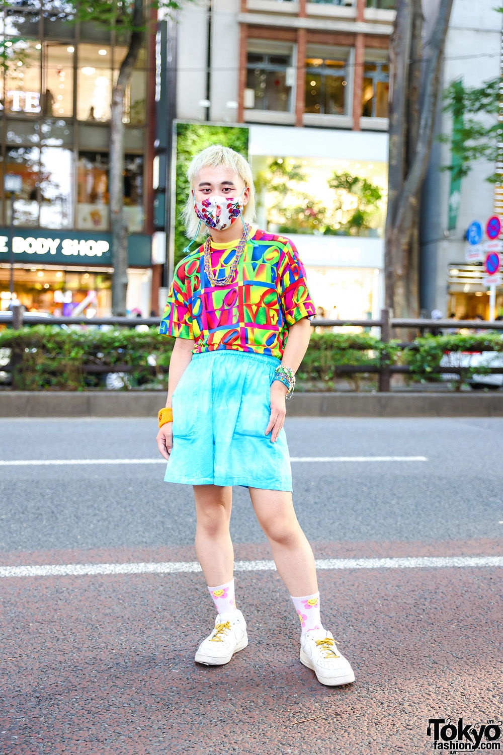 Harajuku Kawaii Street Style w/ Kobinai Face Mask, Vintage LOVE Graphic Print Shirt, Vintage Teal Shorts, Nike White Sneakers, Smiley Wristband & Chicago Accessories