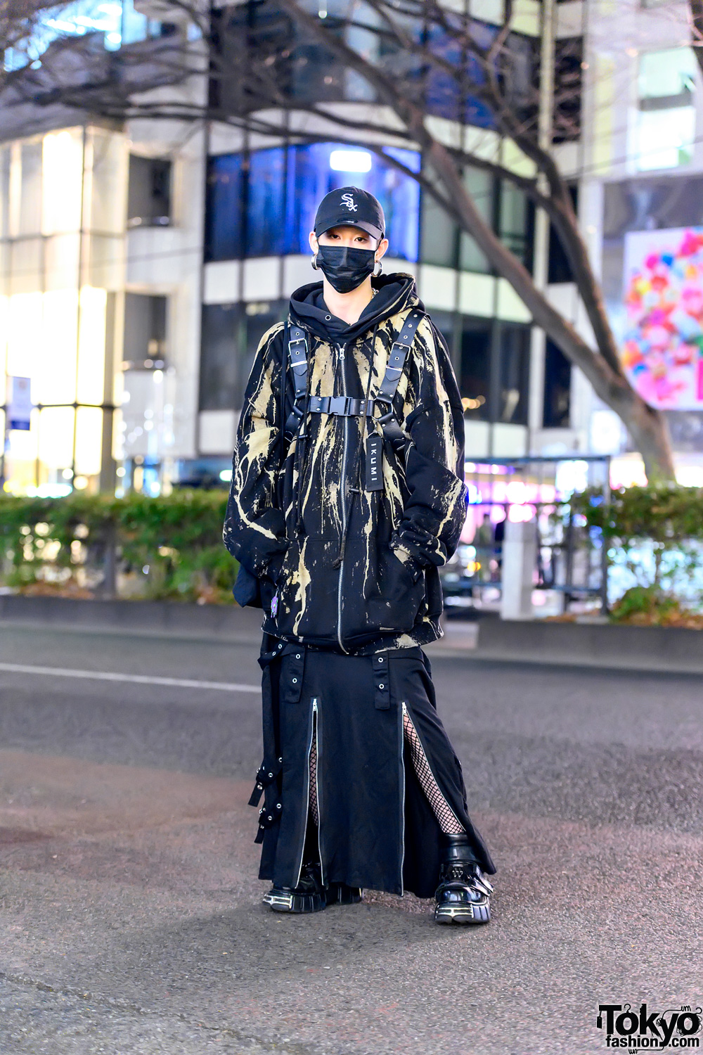 Monochrome Japanese Street Style w/ Ikumi Tokyo Hoodie, Leather Harness, Zippers Skirt, Face Mask & New Rock Boots