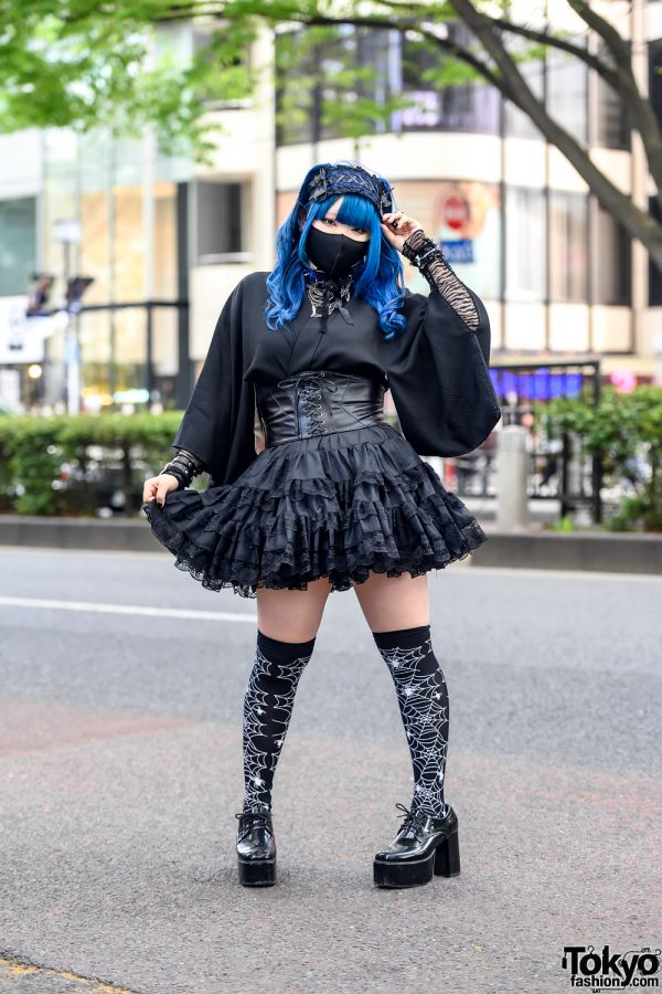 Blue Hair & Gothic Japanese Kimono Sleeve Fashion With Bodyline & Qooza in Harajuku