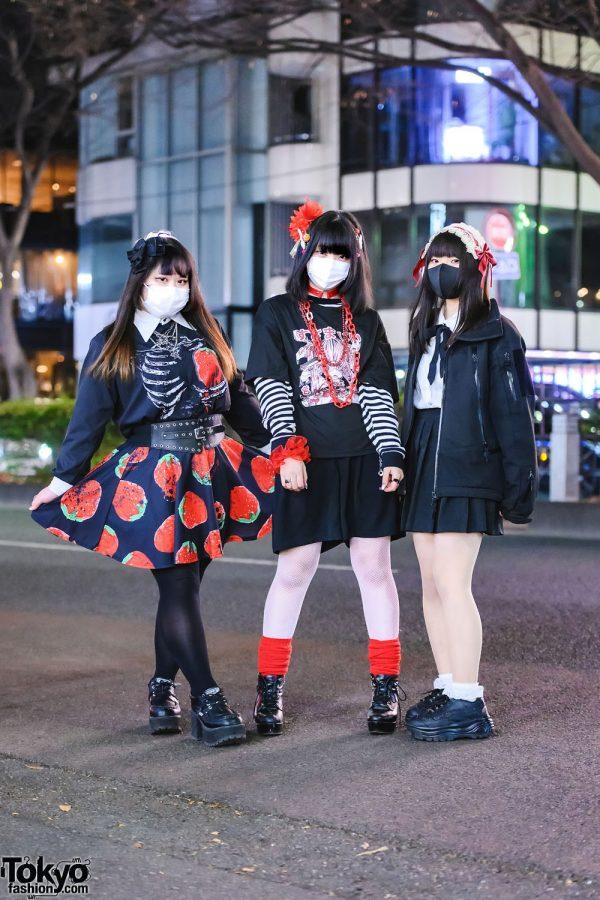 Harajuku Trio's Color-Coordinated Street Styles w/ Headpieces, ACDC Rag, Ingni Sweater, GU, Don Quixote, 6%DokiDoki, Medi Store, Paris Kids, Amazon, GRL, WEGO, Nuovo Sneakers & Yosuke Boots