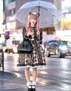 Japanese Lolita Fashion on a Rainy Day in Harajuku w/ Angelic Pretty & Vivienne Westwood