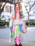 Harajuku Girl in Colorful Vintage Style From El Rodeo & Harry Potter x Bertie Botts Bag