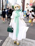 Japanese Shironuri Artist Minori w/ Green & White Vintage Fashion in Harajuku