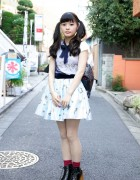 Cute Girl's Furimadonna Skirt & Jeffrey Campbell Wooden Block Shoes