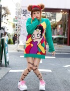 3cro Adventure Singer in Betty Boop Sweater & Platform Sneakers