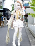 Shironuri Minori in Harajuku w/ Corset Top, Flowers, Lace & Tassel