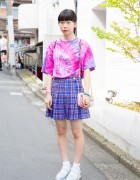 Harajuku Girl in Tie-Dye Tee, Bubbles Plaid Skirt & Disney Princess Purse